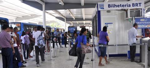 TransOeste BRT Ticket Office. Photo by Mariana Gil/EMBARQ Brazil.